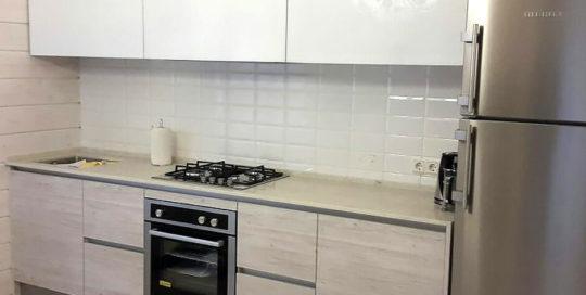 Кухня с фасадом из пластика